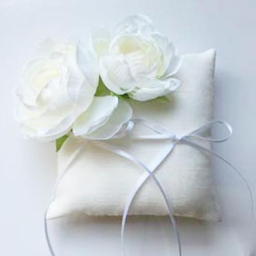 リングピロー〔ラナンキュラス・ホワイト〕 手作りキット|結婚式演出の手作りアイテム専門店B.G.