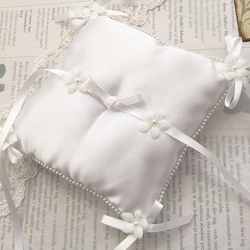 リングピロー〔小花パール〕手作りキット|シンプルなリングピローの商品画像1|結婚式演出の手作りアイテム専門店B.G.